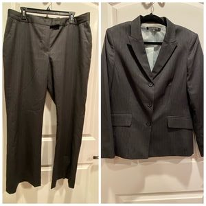 Anne Klein Suit LIKE NEW